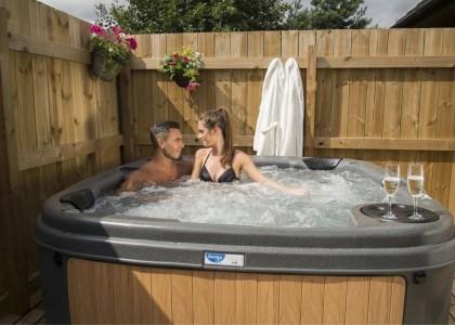 RotoSpa DuraSpa S160 Hot Tub