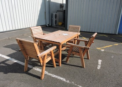 Clearance Dales 4ft Table and 4 Chairs